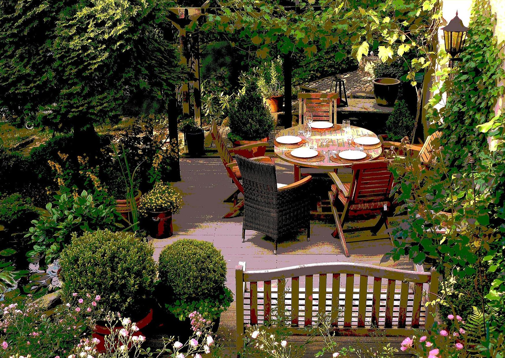 Gartenmöbel richtig pflegen – diese Tipps solltest du kennen!