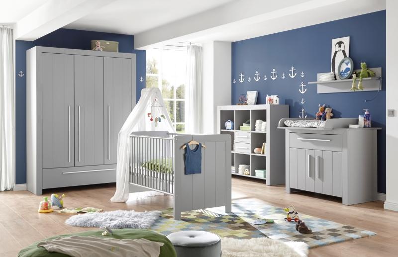 Babyzimmer Ideen mit grauen Möbeln zu einer blauen Wand